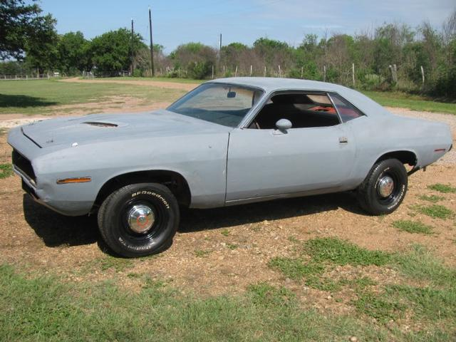 more details - plymouth barracuda