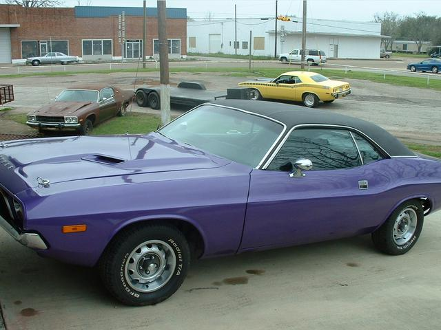 more details - dodge challenger