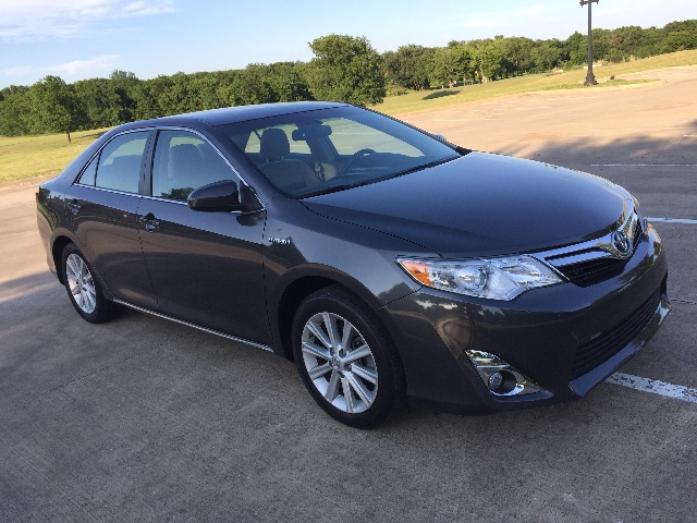 more details - toyota camry hybrid