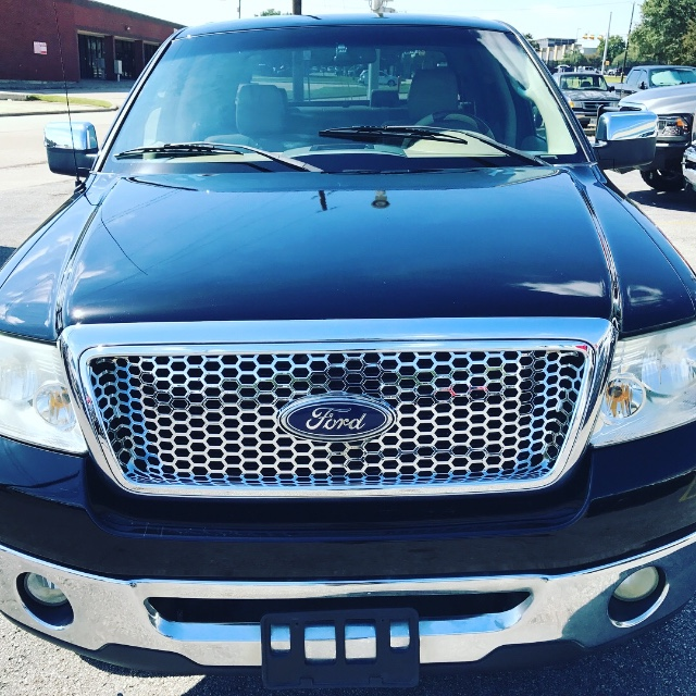 2006 Ford F-150 2WD Lariat SuperCrew at Texas Topline Motors in Dallas TX