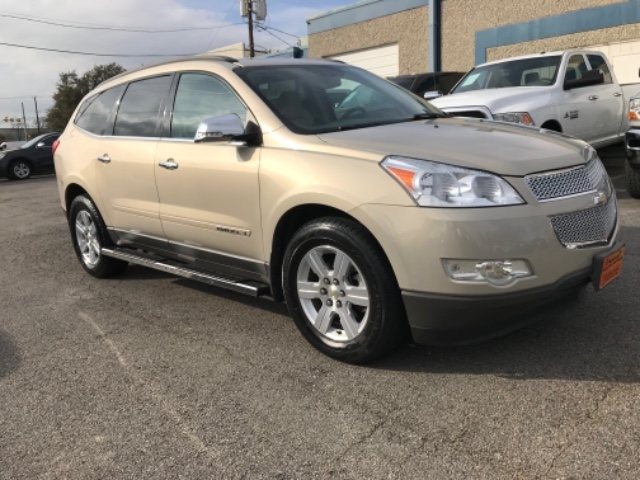 2009 Chevrolet Traverse LT at Texas Topline Motors in Dallas TX