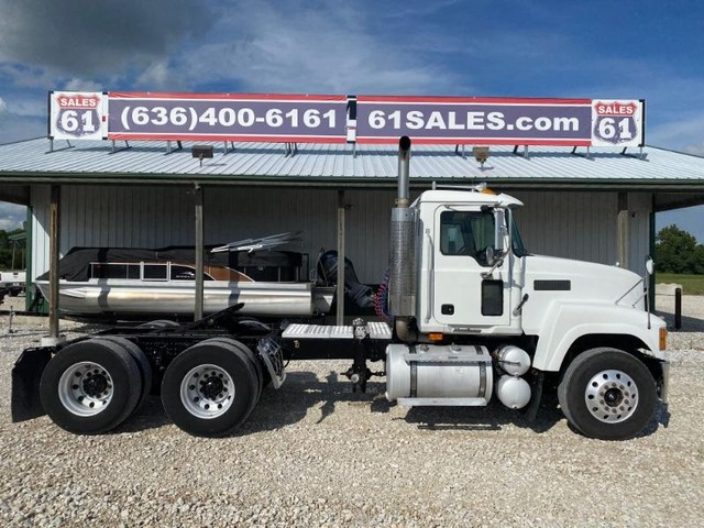 2007 Mack CHN613 DAYCAB at 61 Sales in Troy MO