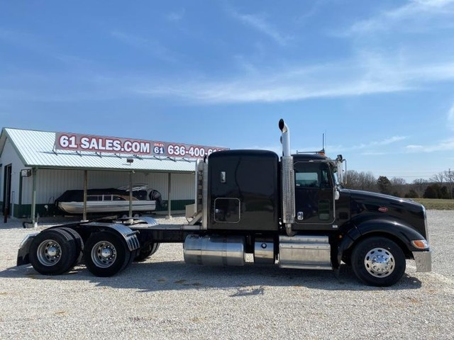 2012 Peterbilt 386 Flat Top at 61 Sales in Troy MO