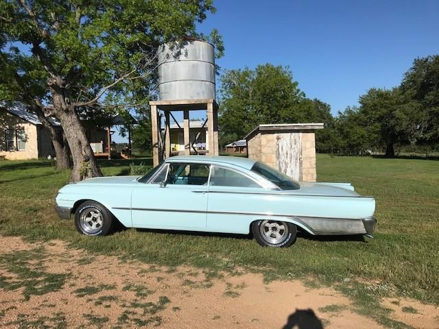 1961 Ford Galaxie Starliner at CarsBikesBoats.com in Round Mountain TX