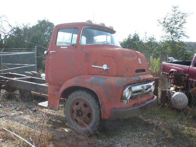 more details - ford f-600 cabover