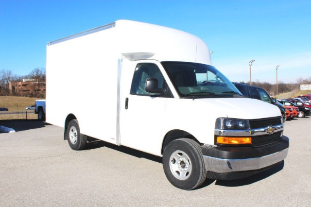 more details - chevrolet express commercial cutaway