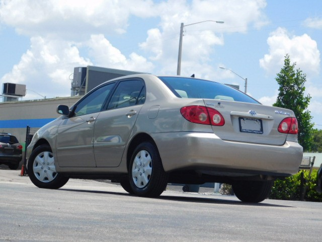 2007 Toyota Corolla CE photo