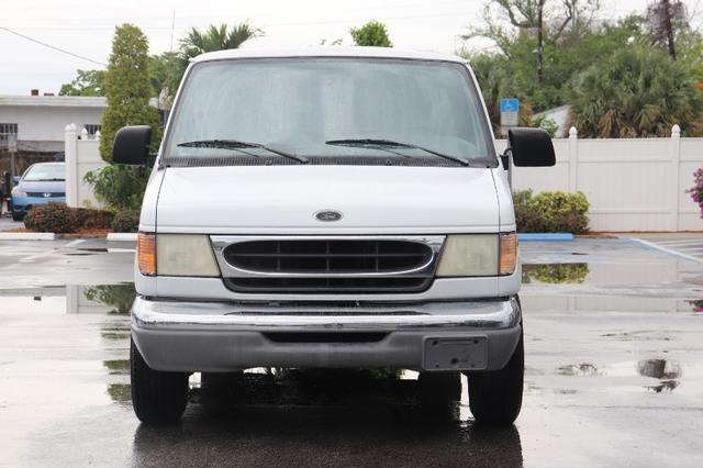 Ford Econoline Vehicle Image 02