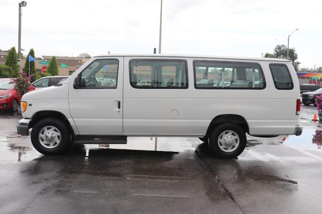 Ford Econoline Vehicle Image 04