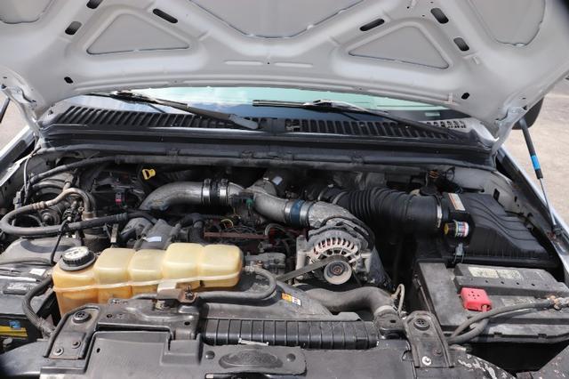 2000 Ford F-350 SD Lariat Reg. Cab 2WD DRW photo