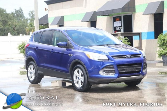Ford Escape Vehicle Image 01