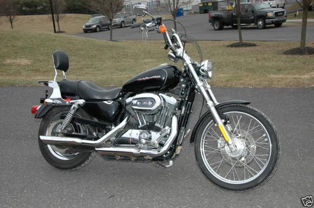 Harley-Davidson SPORTSTER CUSTOM Vehicle Image 01