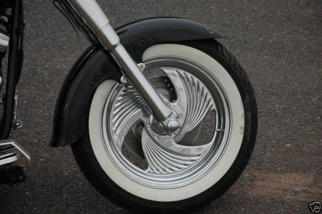 Harley-Davidson HERITAGE SOFTAIL Vehicle Image 08