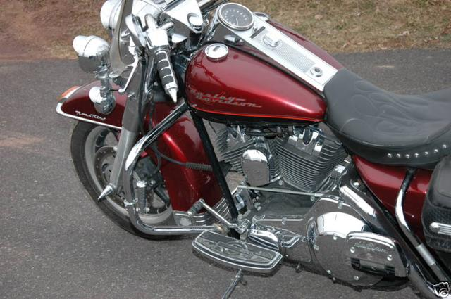 Harley-Davidson ROAD KING FLHRI Vehicle Image 05