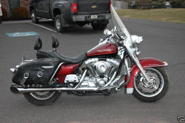 Harley-Davidson ROAD KING FLHRI Vehicle Image 06