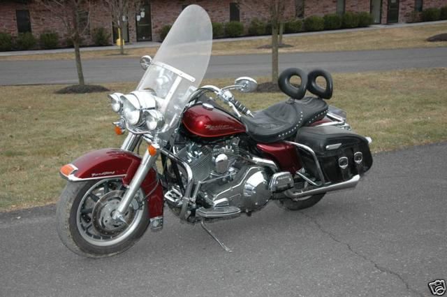 Harley-Davidson ROAD KING FLHRI Vehicle Image 11
