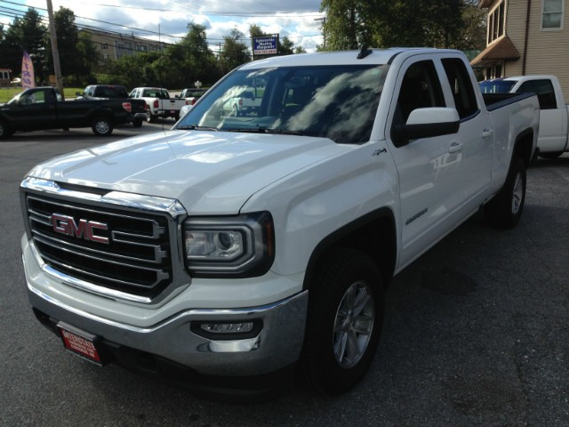 GMC Sierra 1500 Vehicle Image 05