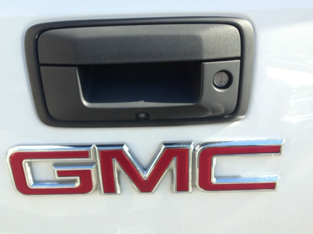 GMC Sierra 1500 Vehicle Image 16
