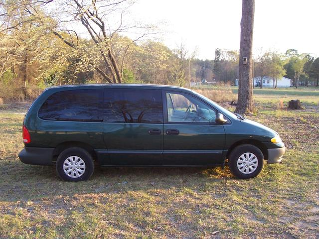 The 1999 Plymouth Grand Voyager photos