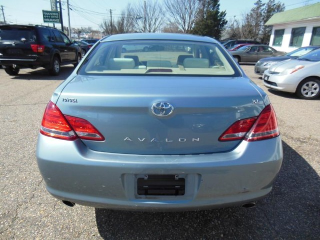 2007 Toyota Avalon XL image 04