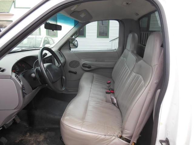 1998 Ford F-150 2WD XL Reg Cab image 07