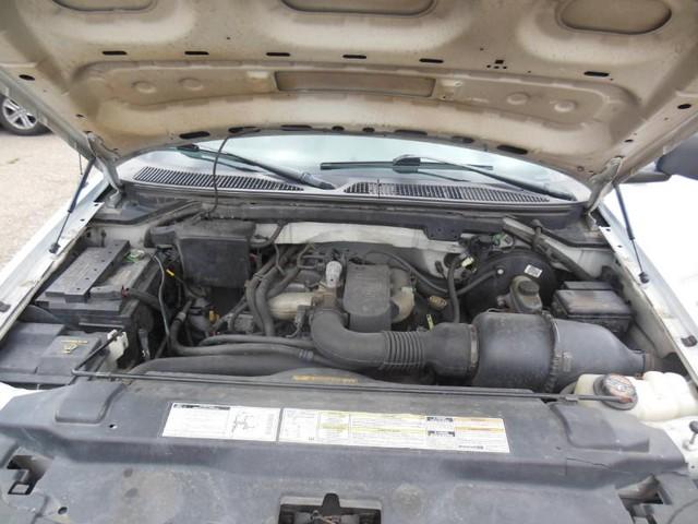 1998 Ford F-150 2WD XL Reg Cab image 09