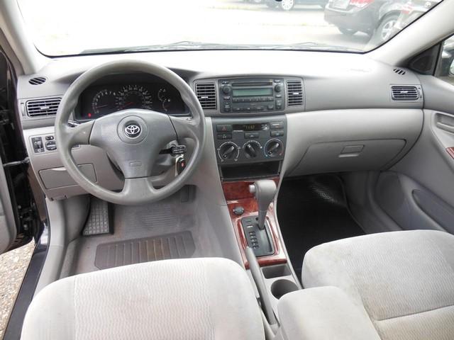 2005 Toyota Corolla LE image 08