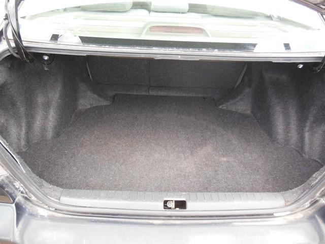 2005 Toyota Corolla LE image 09