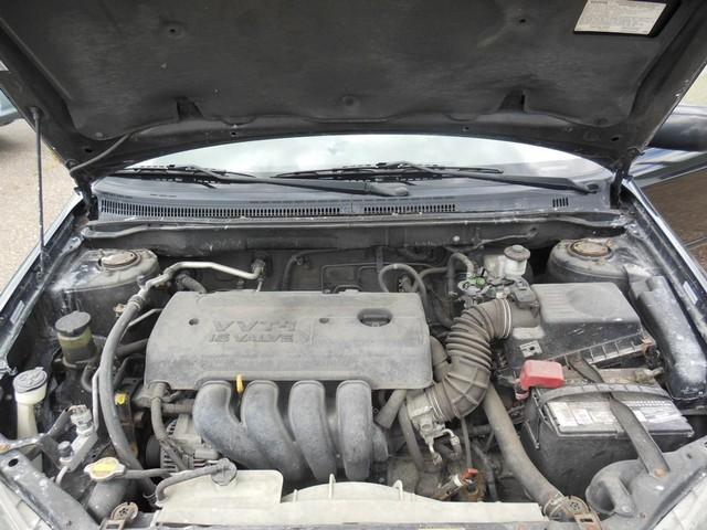 2005 Toyota Corolla LE image 10
