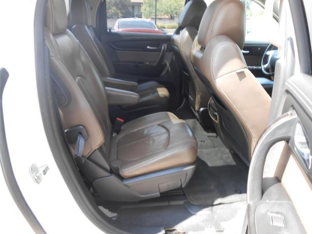 GMC Acadia Vehicle Image 06