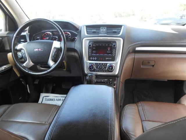 GMC Acadia Vehicle Image 08