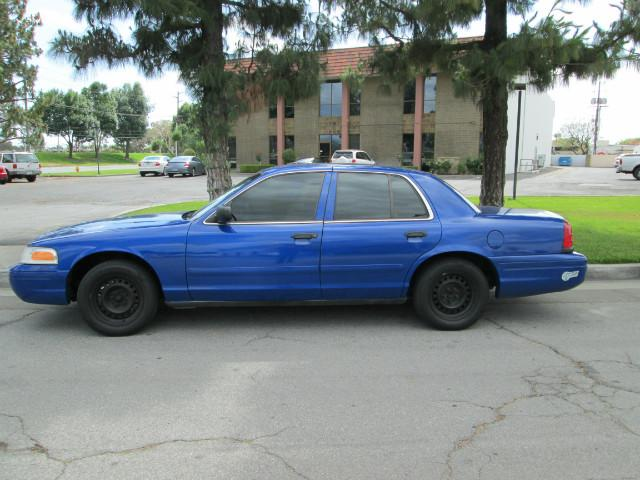 2001 Ford Crown Victoria Police Interceptor P71 photo