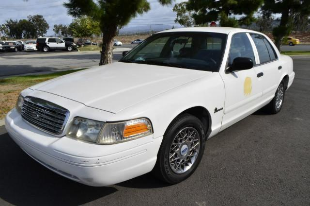 1999 Ford Crown Victoria S photo