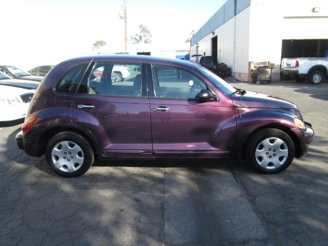 2004 Chrysler PT Cruiser photo