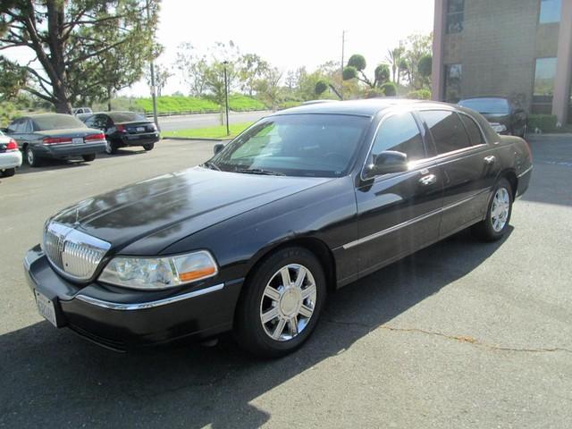 Lincoln Town Car Executive w/Limousine Pkg - 2011 Lincoln Town Car Executive w/Limousine Pkg - 2011 Lincoln Executive w/Limousine Pkg