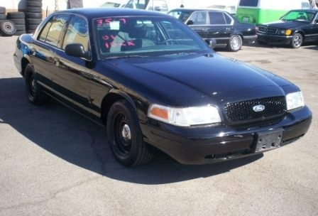 The 2004 Ford Crown Victoria Police Interceptor photos