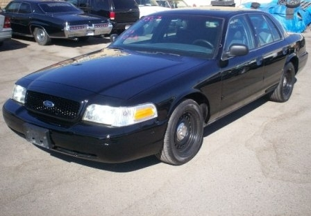 2004 Ford Crown Victoria Police Interceptor photo