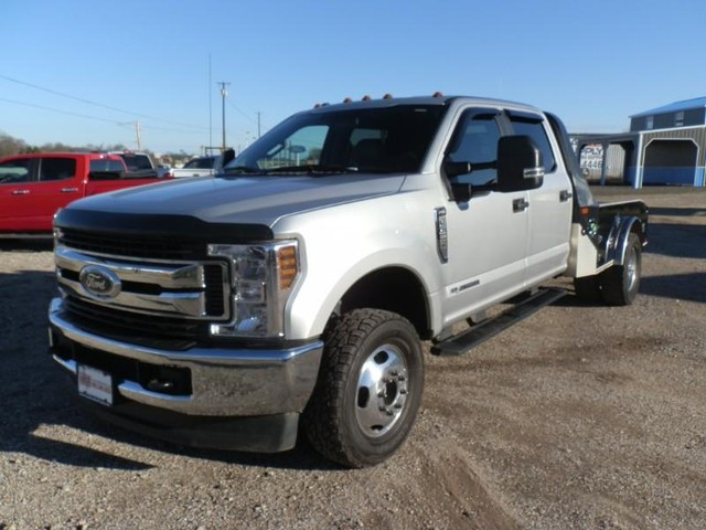more details - ford super duty f-350 drw