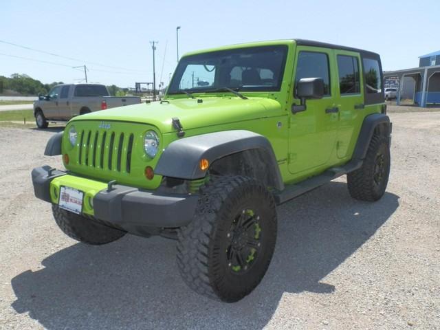 more details - jeep wrangler unlimited