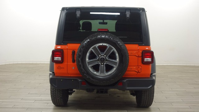 Jeep Wrangler Unlimited Vehicle Image 05